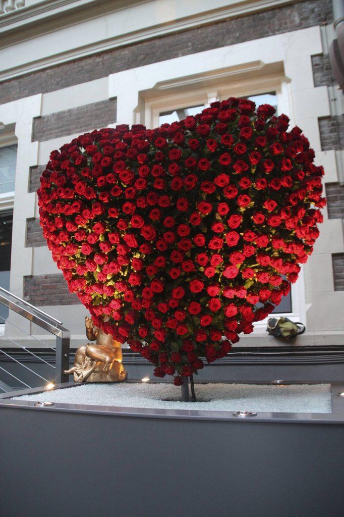 arreglos florales con rosas rojas